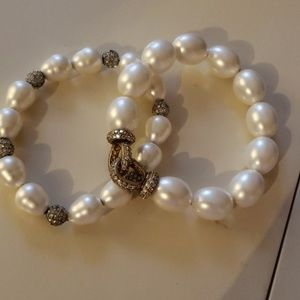 Bracelets with rhinestones and perls